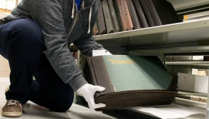 Extremely large scrapbook album containing thousands of German notgeld