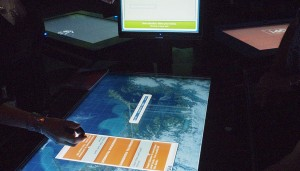 Mission Gaia interface touch screen / Écran tactile de l'interface de Mission Gaia