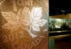 Penny Mosaic at entrance / Mosaïque de pièces d'un cent à l'entrée