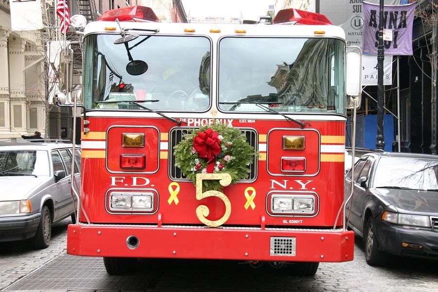 Christmas Firetruck / Un camion de pompier tout décoré