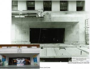 Front entrance under construction / Entrée en construction