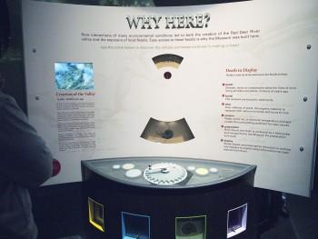 museum display with adjustable wheel