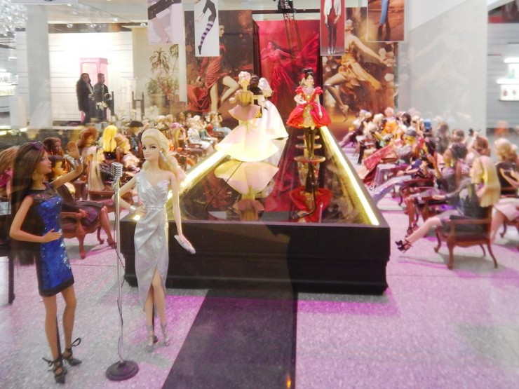 doll diorama of a fashion show
