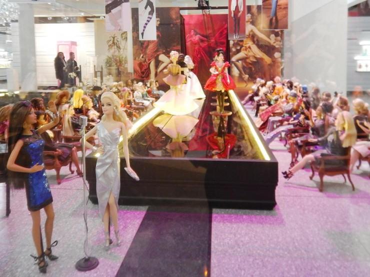doll diorama of a fashion show